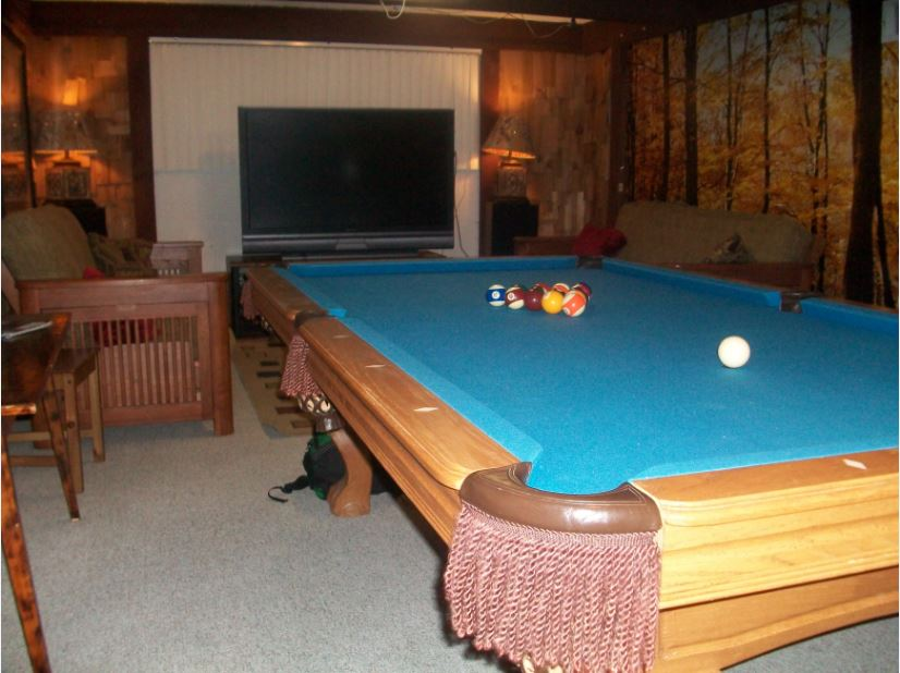 Full Sized Pool Table